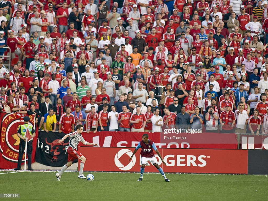 MLS - International Friendly - Toronto FC vs Aston Villa - July 25, 2007 : News Photo