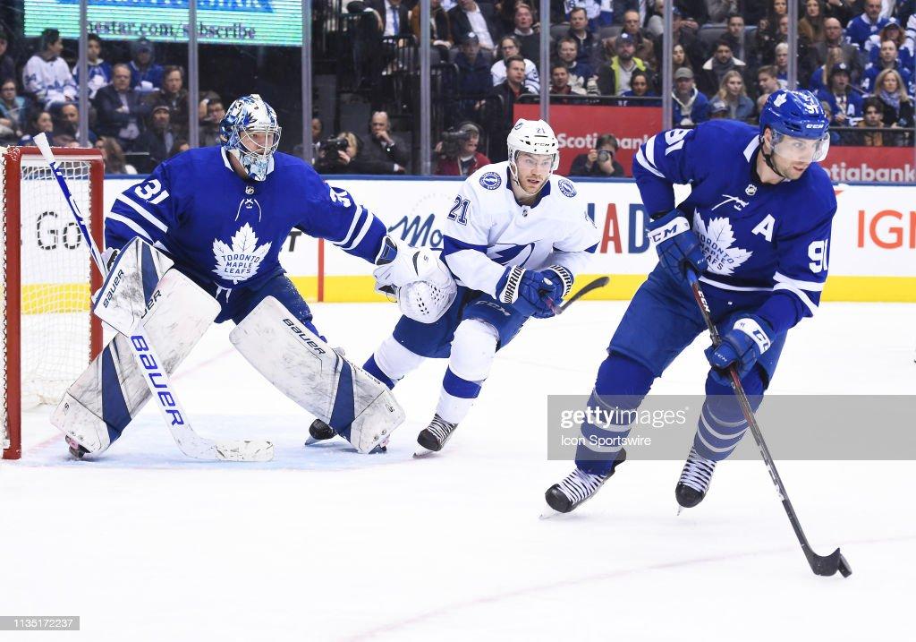 NHL: APR 04 Lightning at Maple Leafs : News Photo