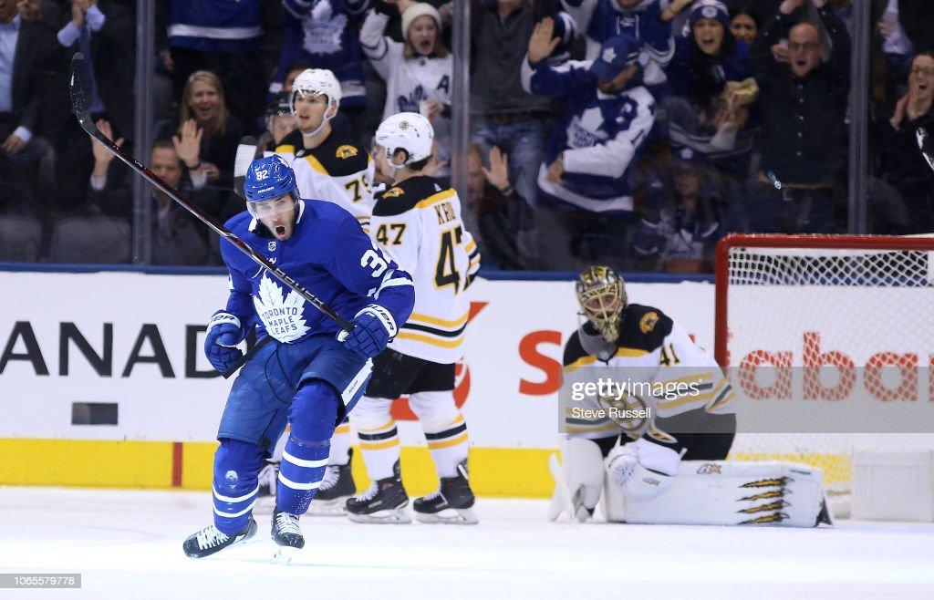 the Toronto Maple Leafs play the Boston Bruins : News Photo