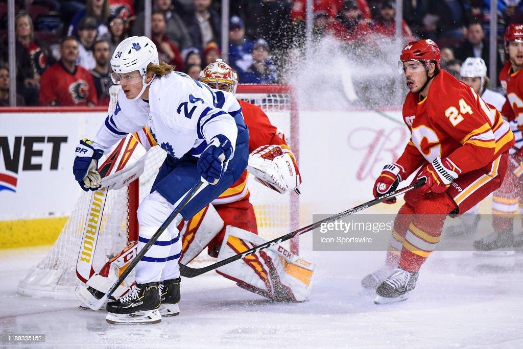 NHL: DEC 12 Maple Leafs at Flames : News Photo