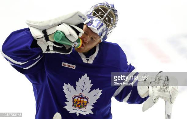 Toronto, ON- May 6 - Toronto Maple Leafs goaltender Frederik Andersen hydrates during a break in play. Andersen played the first half of the game...
