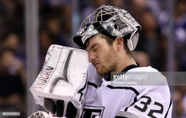 Toronto ON OCTOBER 23 In third period action Los Angeles Kings goalie Jonathan Quick takes a breather The Toronto Maple Leafs beat the Los Angeles...