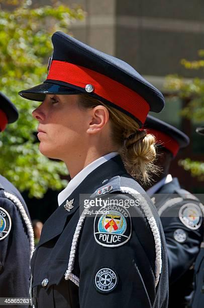 toronto mulher-polícia em nypd memorial cerimónia, 9 de setembro de 2011, nova iorque - uniform cap imagens e fotografias de stock