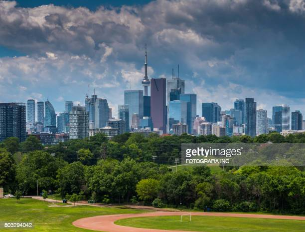 toronto postcard - moody sky stock pictures, royalty-free photos & images