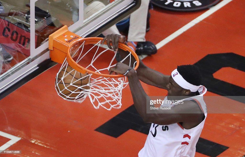 Toronto Raptors play the Philadelphia 76ers : ニュース写真