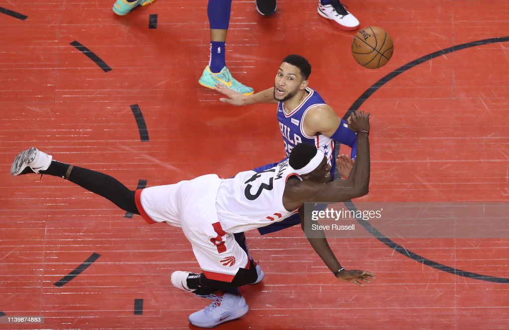 Toronto Raptors play the Philadelphia 76ers : News Photo