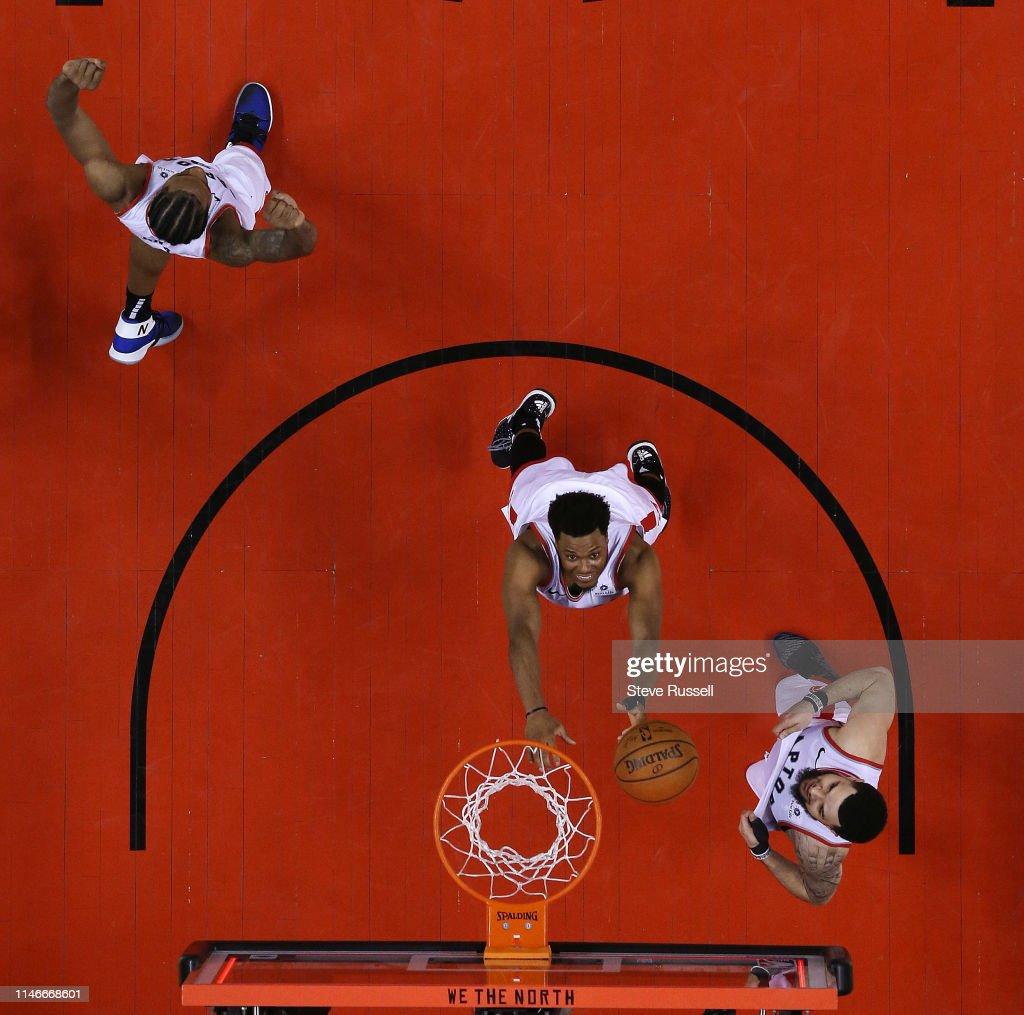 Toronto Raptors beat the Milwaukee Bucks in game six to win the NBA Eastern Conference Final : News Photo