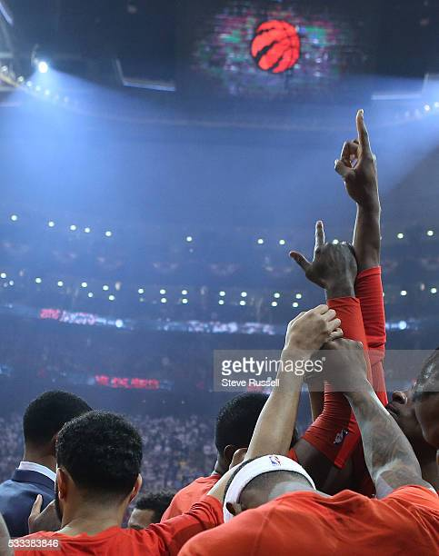 Toronto Raptors huddle after player intros as the Toronto Raptors beat the Cleveland Cavaliers in game 3 of the NBA Conference Finals at the Air...