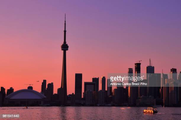 toronto skyline at sunset, canada - filho stock-fotos und bilder