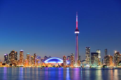 Toronto skyline 496975059