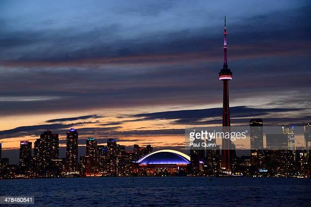 Toronto skyline shot,taken from the Toronto Islands. This was shot handheld at ISO 1600, hence the graininess.
