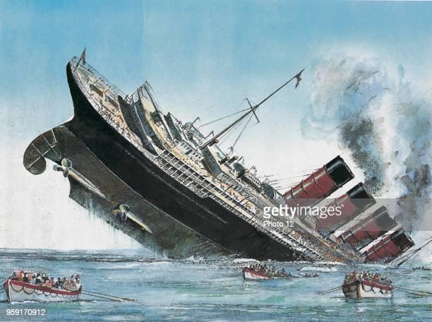 Torpedoing of the British liner Lusitania by a German submarine U20