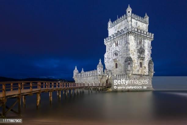 torre de belém portugal - nacht stock pictures, royalty-free photos & images
