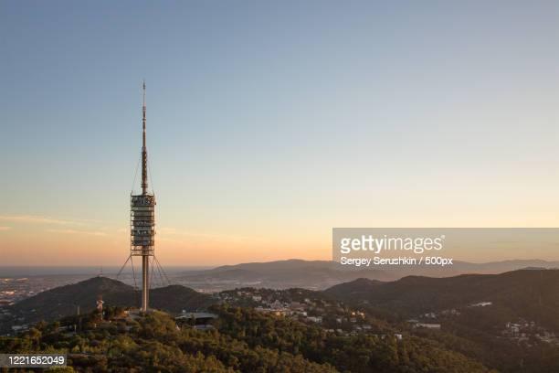 torre de collserola, tibidabo, barcelona, catalonia, spain - images fotografías e imágenes de stock