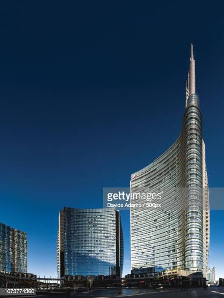 torre unicredit - adamo photos et images de collection