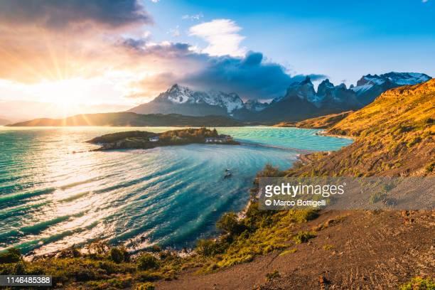 torres del paine national park, chilean patagonia - america latina foto e immagini stock