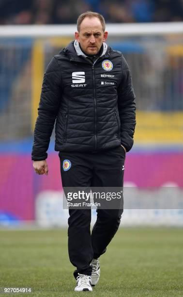 Torsten Lieberknecht head coach of Braunschweig ponders during the Second Bundesliga match between Eintracht Braunschweig and SSV Jahn Regensburg at...