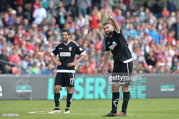 Torsten Mattuschka of Cottbus advises his team for a free kick during the Third League match between Energie Cottbus and 1 FSV Mainz 05 II at Stadion...