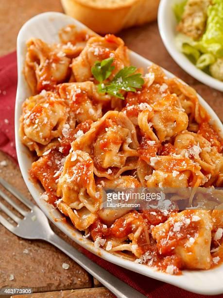 Tortellini in salsa di pomodoro