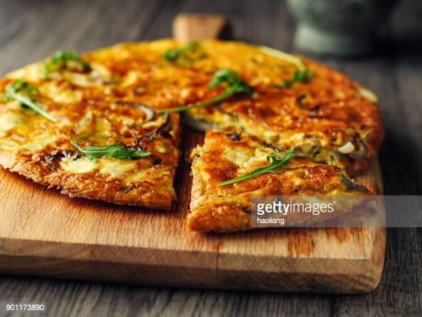 tortilla española - cultura española fotografías e imágenes de stock