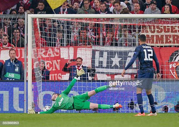 Torwart David de Gea kann das Tor zum 31 von Arjen Robben nicht verhindern waehrend dem Viertelfinal Rueckspiel zur UEFA Champions League FC Bayern...