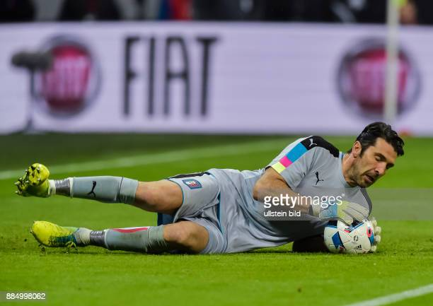 Torwart Gianluigi Buffon in Aktion waehrend dem Fussball Laenderspiel Deutschland gegen Italien in der Allianz Arena am 29 Maerz 2016 in Muenchen...
