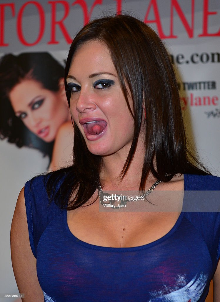 Exxxotica 2014 Convention May  News Photo