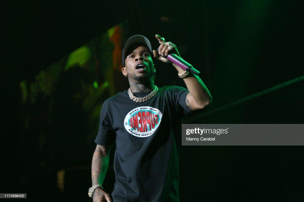 Chris Brown In Concert - Newark, NJ : News Photo