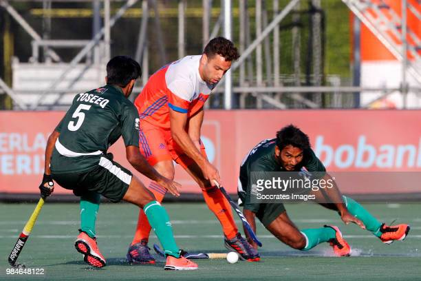 Toseeq Arshad of Pakistan Valentin Verga of Holland during the Champions Trophy match between Holland v Pakistan at the Hockeyclub Breda on June 26...