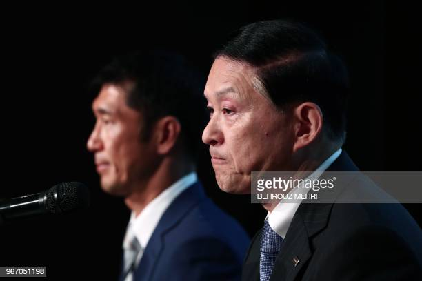 Toshiba Memory Corp President Yasuo Naruke and head of Bain Capital's operations in Japan Yuji Sugimoto attend a joint press conference in Tokyo on...