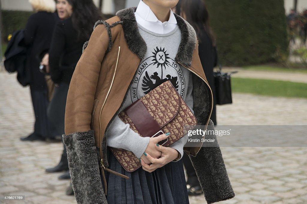 Street Style - Day 4 : Paris Fashion Week - Womenswear Fall/Winter 2014-2015 : News Photo