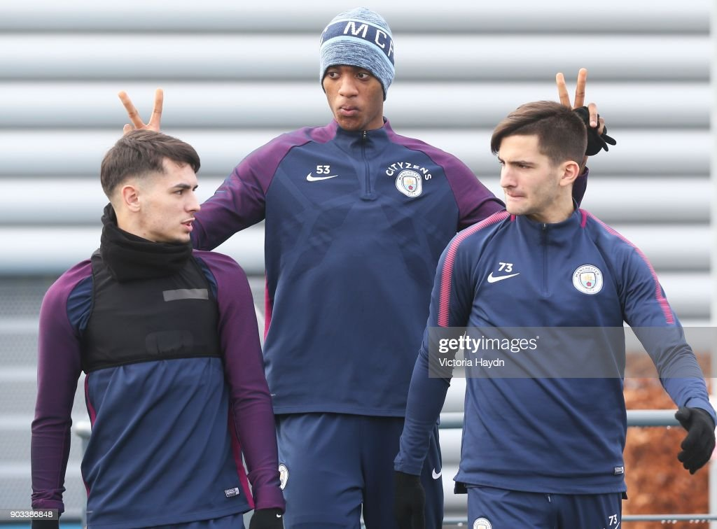 https://media.gettyimages.com/photos/tosin-adarabioyo-jokes-with-brahim-diaz-and-benjamin-garre-at-city-picture-id903386848