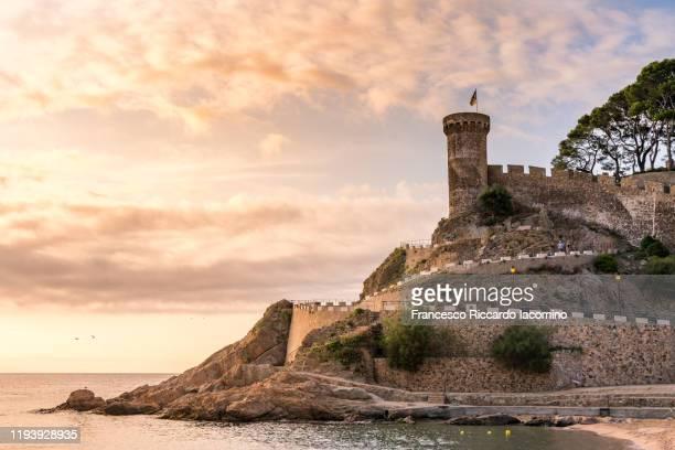 tossa de mar at sunrise, gerona province, spain - francesco riccardo iacomino spain foto e immagini stock