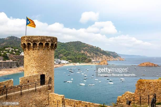 tossa de mar, spain. roofs and sea - francesco riccardo iacomino spain foto e immagini stock