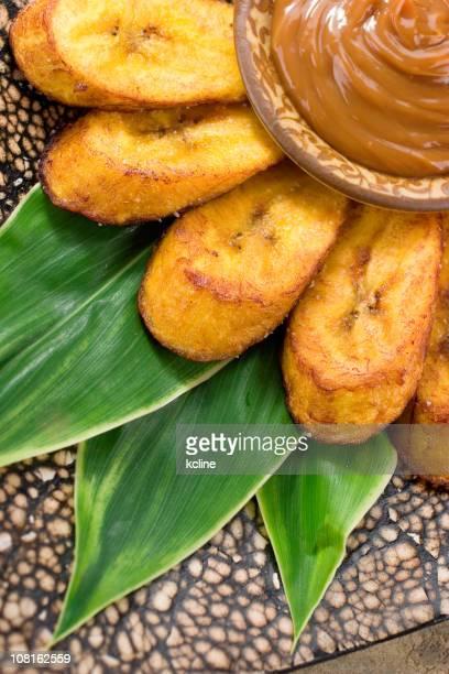 Frittierte Kochbananen und Dulce-de-Leche