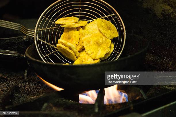 Tostones being cooked at Los Hermanos