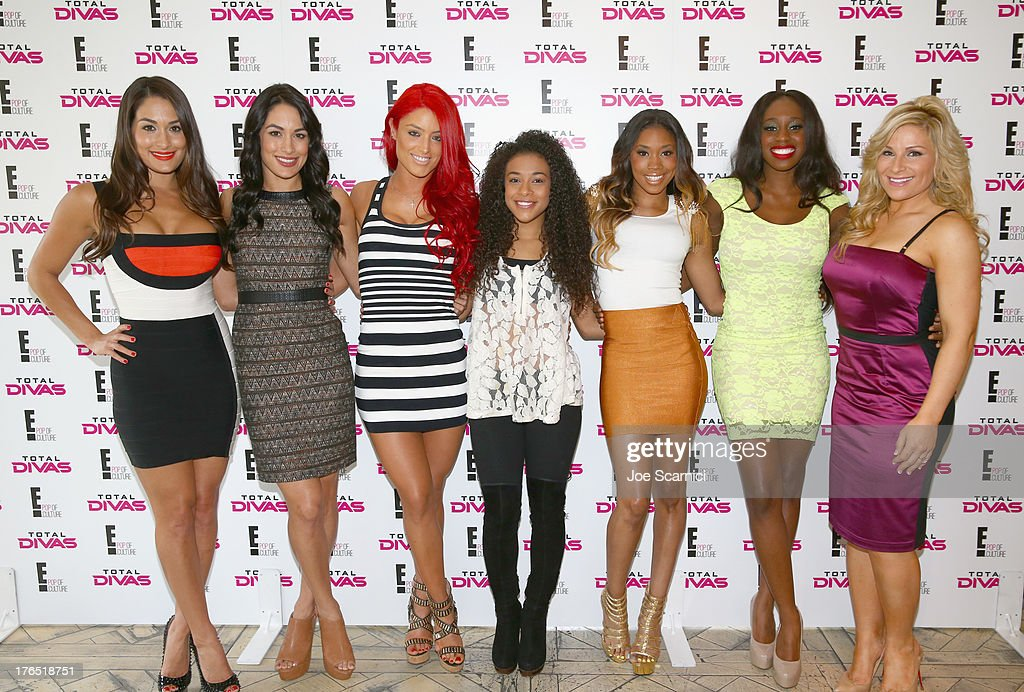 The Cast of WWE and E!'s Total Divas Celebrate SummerSlam at The London West Hollywood : News Photo