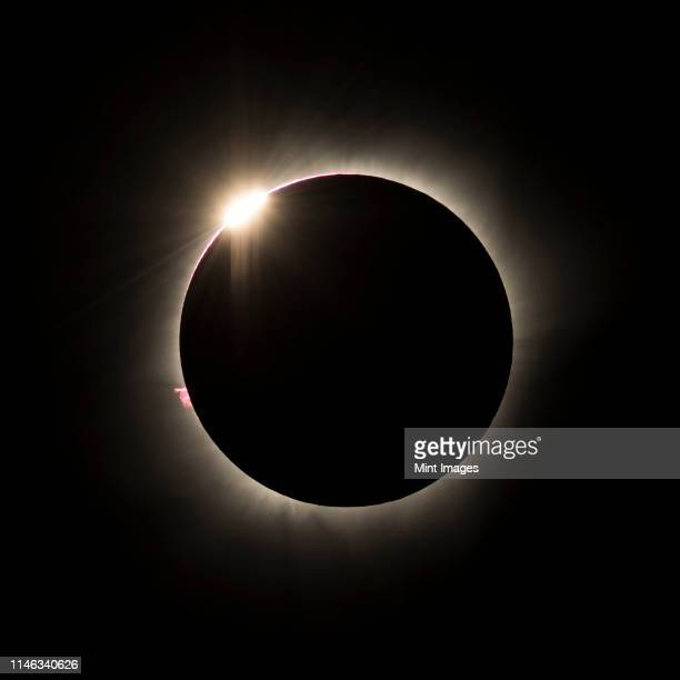 total lunar eclipse - lunar eclipse stock pictures, royalty-free photos & images