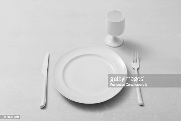 total white - glas serviesgoed stockfoto's en -beelden