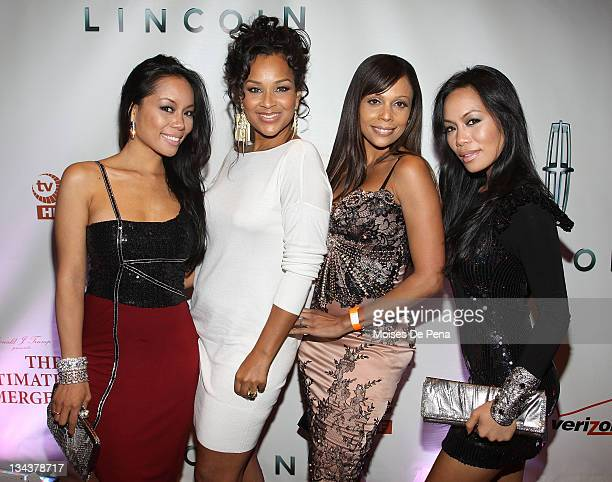 ToTam Lisa Raye McCoy Alisa Maria and ToNya attend 'The Ultimate Merger' premiere at Trump Tower on June 14 2010 in New York City