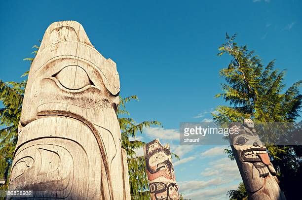 totem pole - totem pole stock pictures, royalty-free photos & images