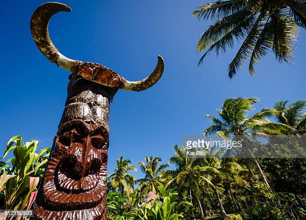 totem pole - new caledonia stock photos and pictures