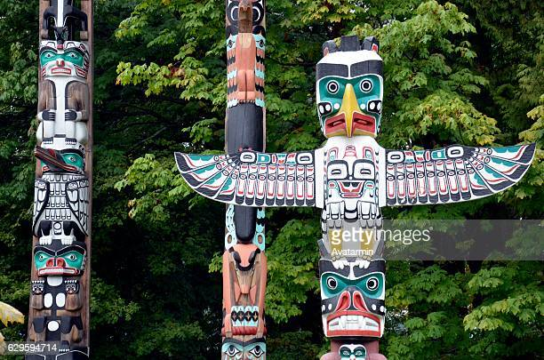 totem pole -  vancouver - british columbia - canada - totem pole stock photos and pictures