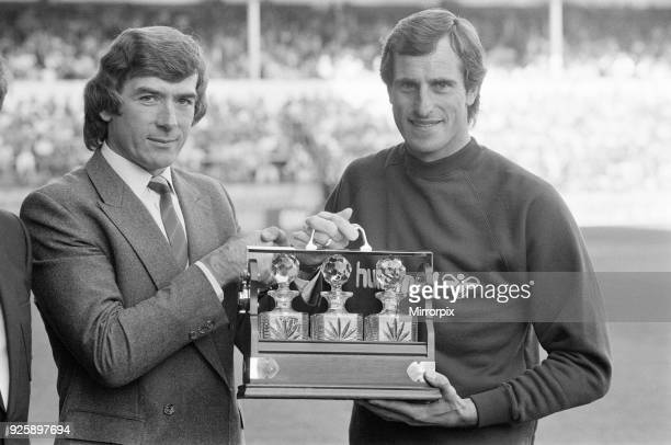 Tottenham Hotspur 51 Newcastle League match at White Hart Lane Saturday 7th September 1985 Ray Clemence Tottenham Hotspur FC Goalkeeper is presented...