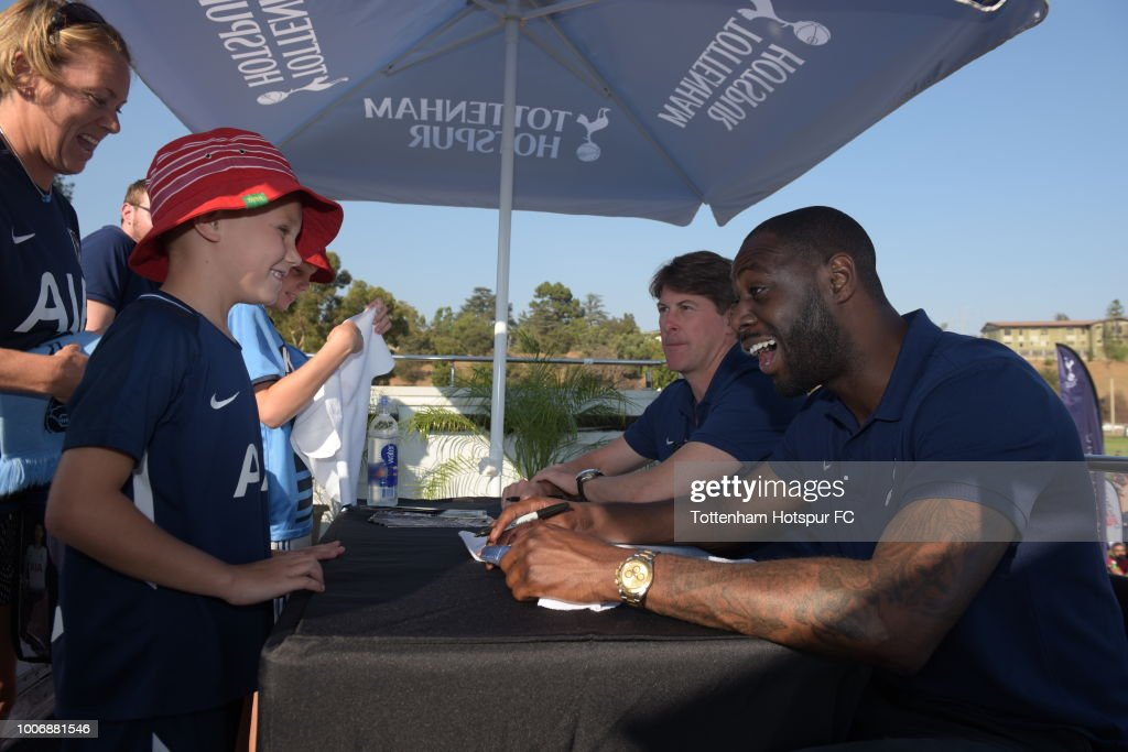 Tottenham Hotspur Ambassadors Ledley King and Darren Anderton greet fans fans before an International Champions Cup match against FC Barcelona at the Rose Bowl on July 28, 2018 in Pasadena, California.
