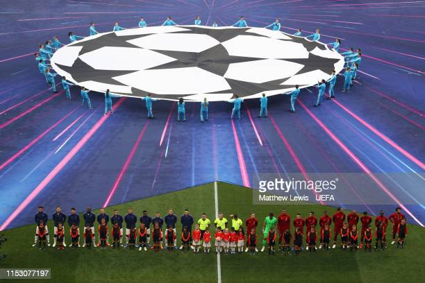 Tottenham Hotspur and Liverpool players line up prior to the UEFA Champions League Final between Tottenham Hotspur and Liverpool at Estadio Wanda...