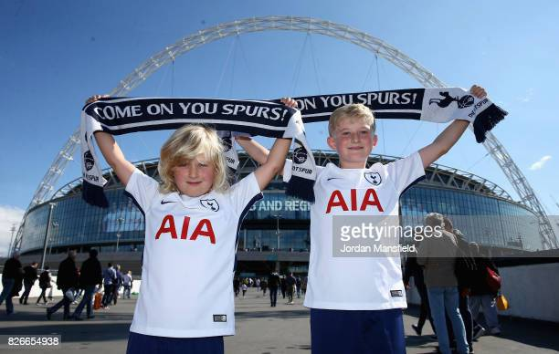 'LONDON ENGLAND AUGUST 05 Tottenham Hotspur fans enjoy the pre match atmopshere prior to the PreSeason Friendly match between Tottenham Hotspur and...