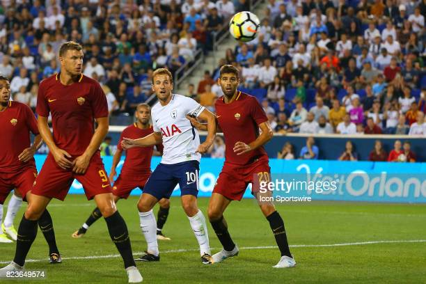 Tottenham Hotspur forward Harry Kane battles Roma defender Federico Fazio during the first half of the International Champions Cup soccer game...