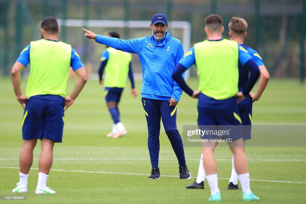 Tottenham Hotspur Pre-Season Training Session : Nyhetsfoto