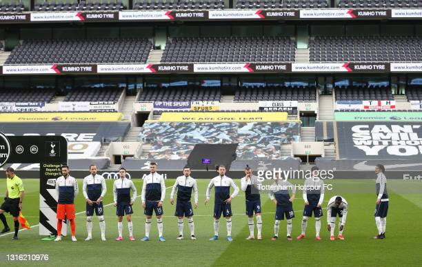 Tottenham Hotspur players line up prior to the Premier League match between Tottenham Hotspur and Sheffield United at Tottenham Hotspur Stadium on...